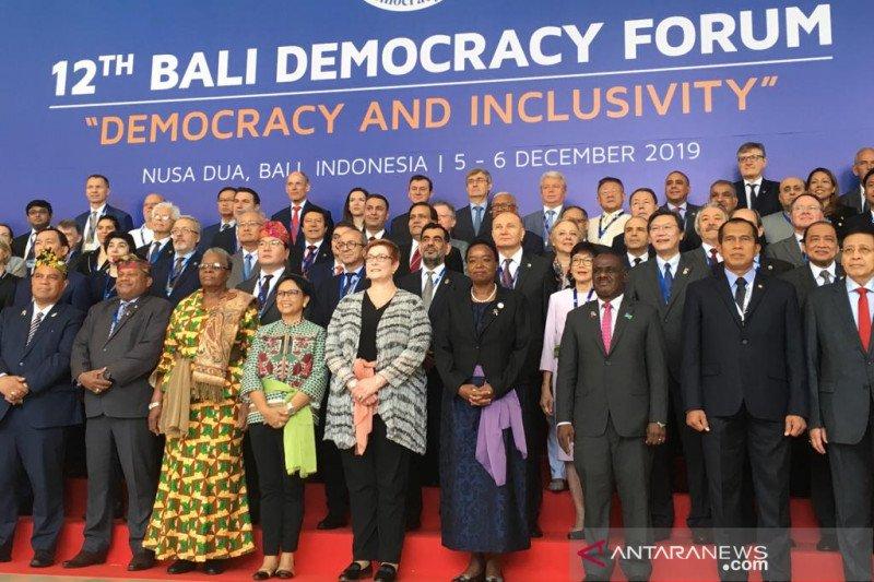 Buka BDF ke-12, Menlu soroti demokrasi inklusif dan kerapuhan negara