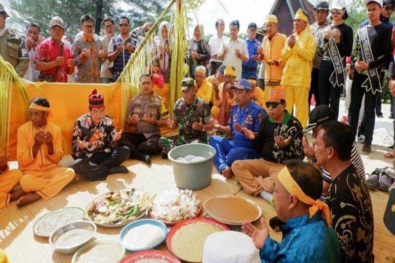 Tradisi Simah Laut akan tetap digelar di Pantai Ujung Pandaran Kalteng