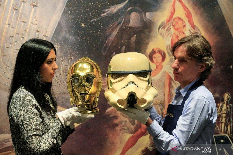 Lelang barang-barang koleksi film Star Wars