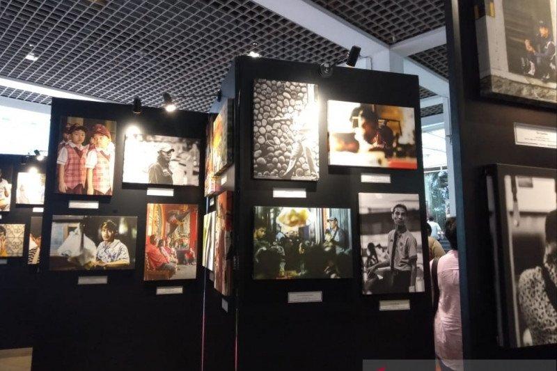 Selasar Balai Kota Jakarta jadi ruang pameran foto peringati Hari Pahlawan