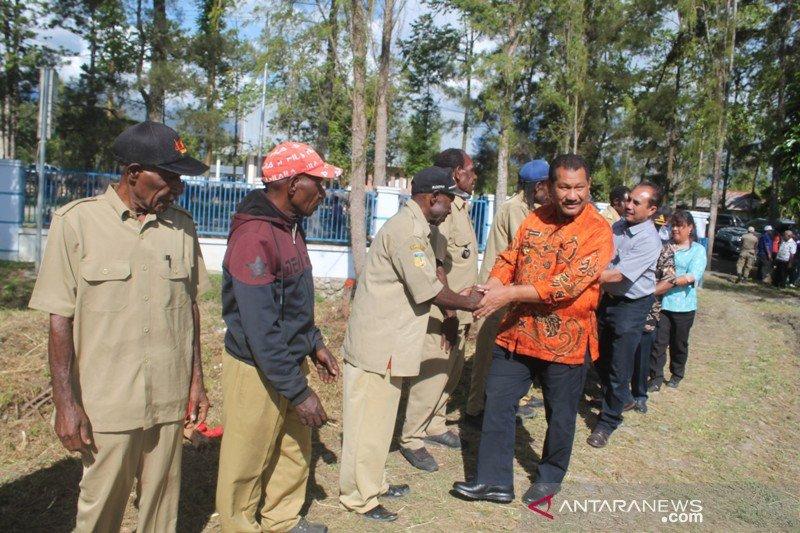 Pohon adat hambat listrik masuk lima kampung di Jayawijaya