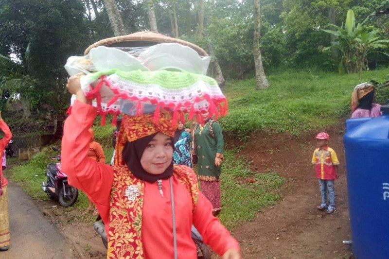 Lomba Badulang meriahkan Payakumbuh Botuang Festival
