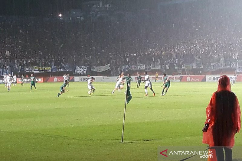 Persib seri 0-0 di kandang PSS Sleman