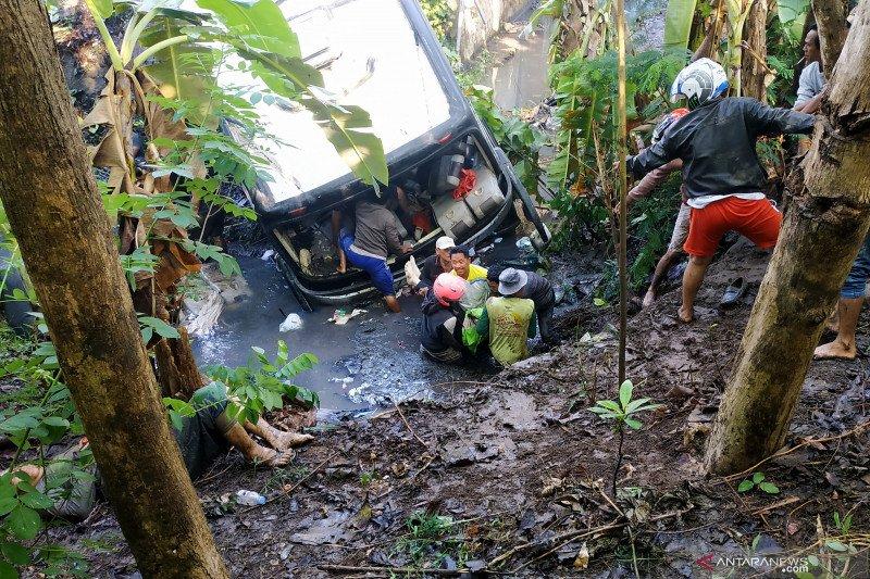 RSUD Ngudi Waluyo Blitar sebut lima korban kecelakaan bus tewas
