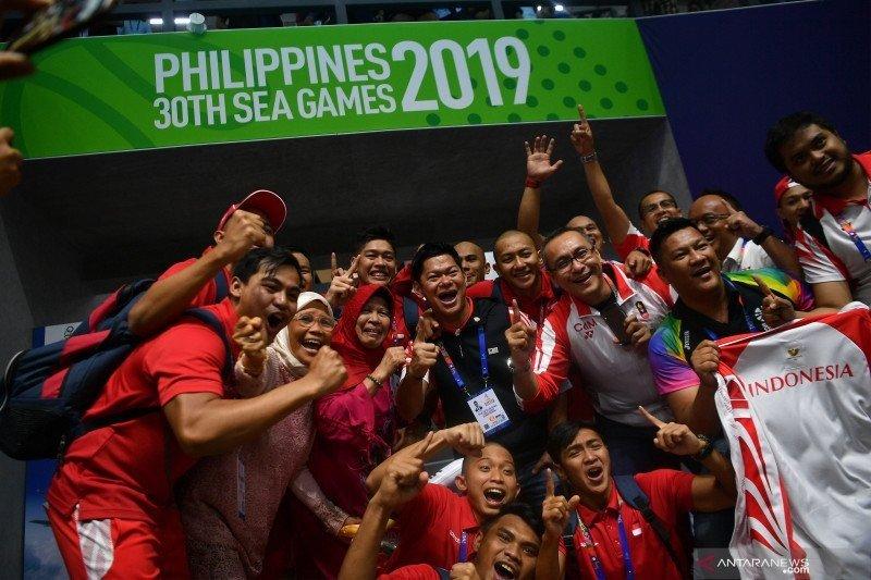 Kontingen SEA Games Indonesia kian kokoh di posisi kedua sampai Jumat malam