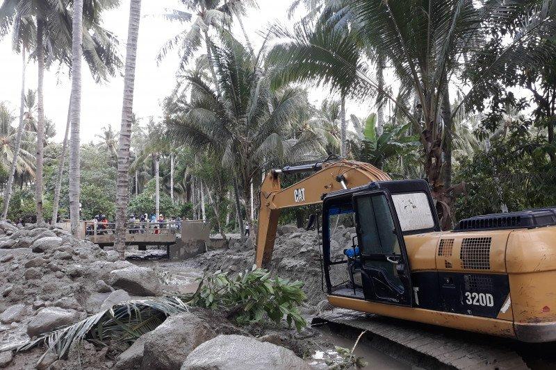 Pemda kerahkan alat berat normalisasi sungai cegah banjir susulan