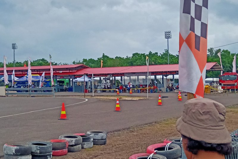 Skyland Circuit meets int