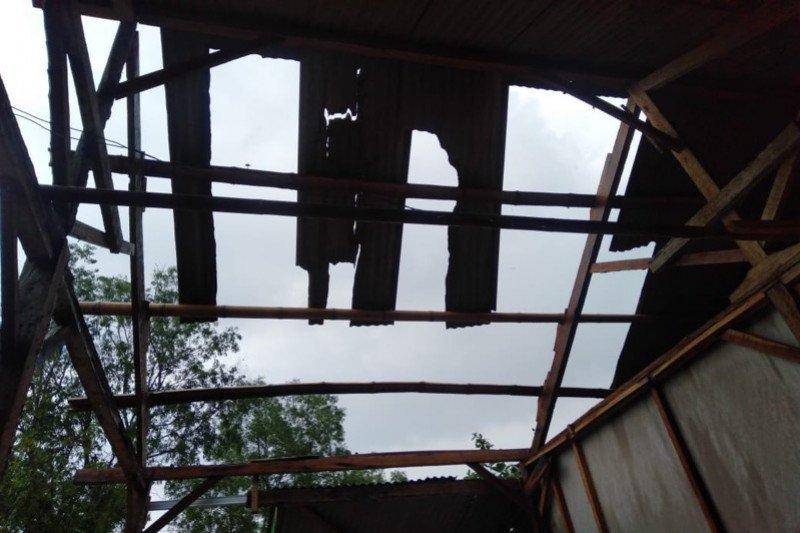 BPBD Banjarnegara imbau warga waspadai angin kencang
