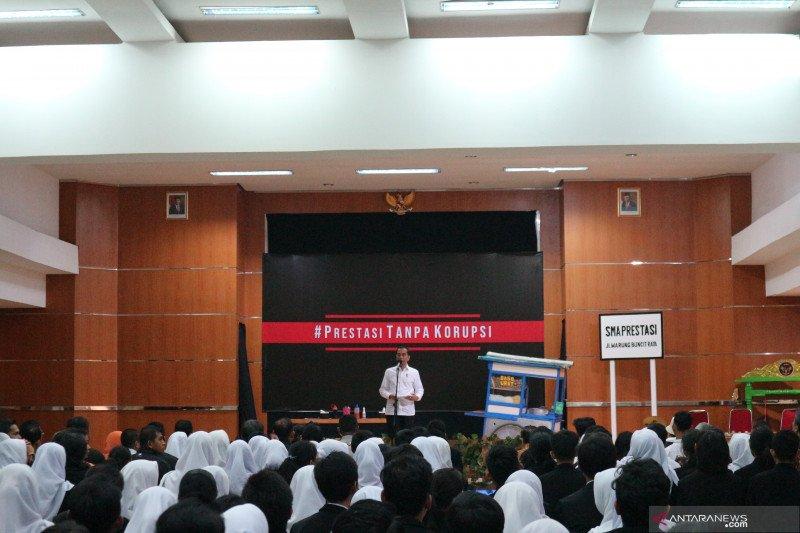 Korupsi Kecil atau besar, Jokowi: sama-sama tidak boleh