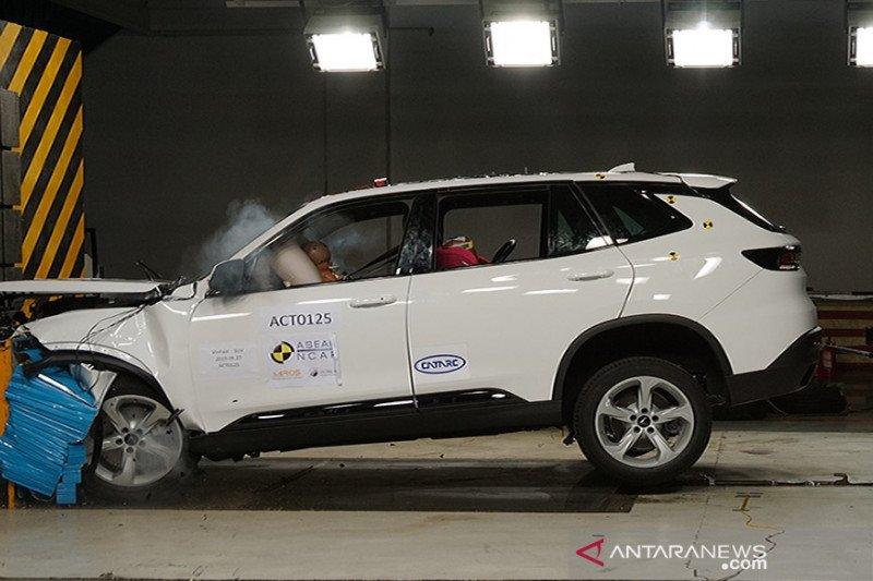 Dua mobil Vietnam raih lima bintang uji tabrak ASEAN NCAP