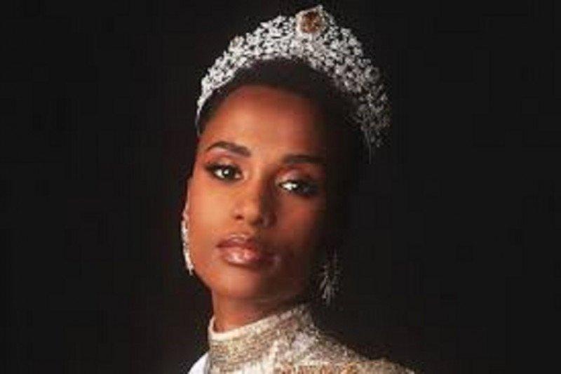 Miss Universe 2019 Zozibini Tunzi dari Afrika, sang aktivitis dan model