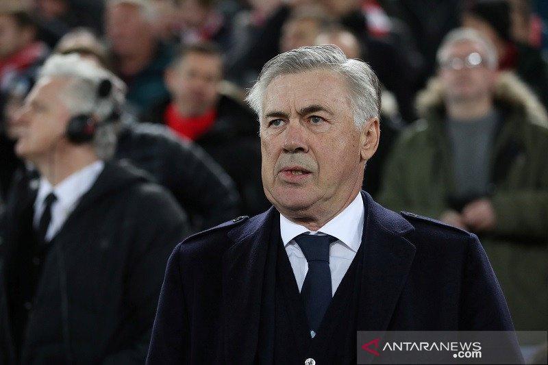 Unai Emery terusir, Berbatov menjagokan Ancelotti