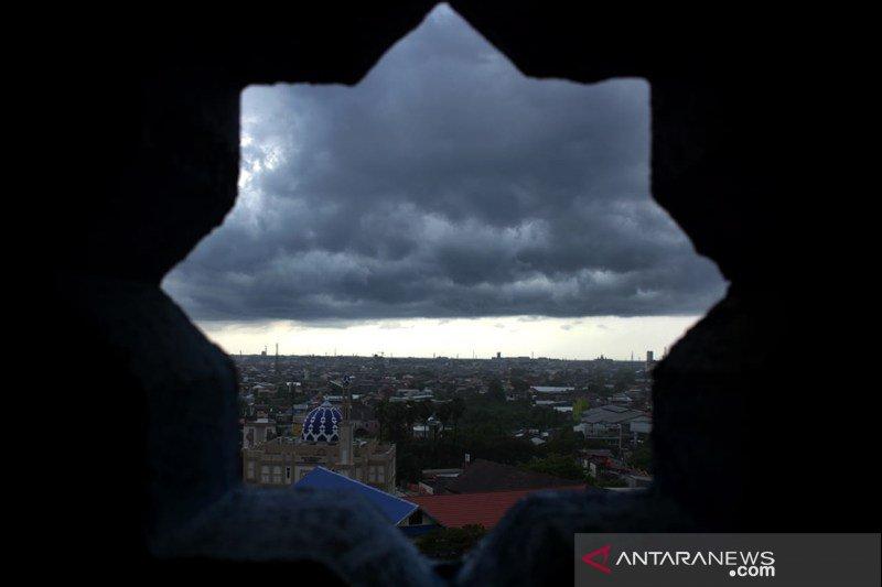Musim hujan di Makassar belum merata
