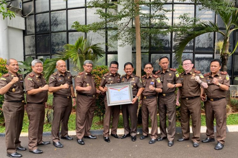 Kejati Sulawesi Utara dapat penghargaan WBK dari Kemenpan-RB