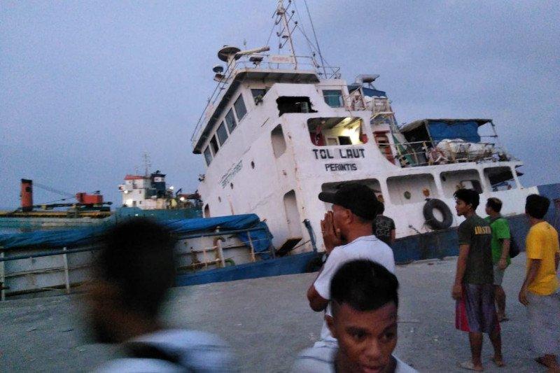 Kapal tol laut bermuatan semen dari Surabaya tenggelam di Lembata NTT