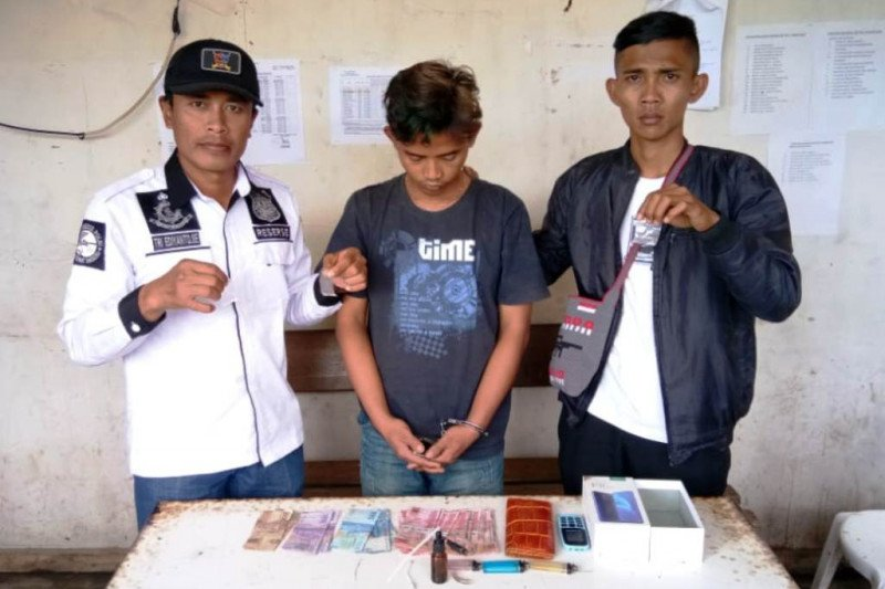 Polisi Tolikara tangkap pemilik sabu-sabu