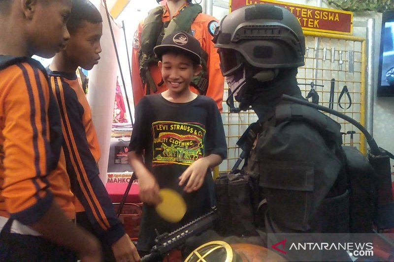 Anak Pariaman antusias kunjungi stan di Nusantara Expo 2019