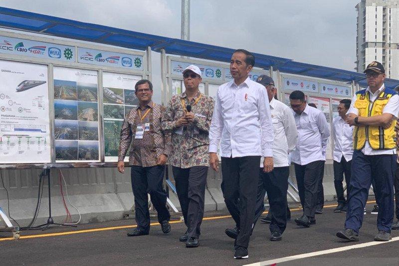 Jokowi: Tol Layang Japek Gratis sampai Tahun Baru 2020
