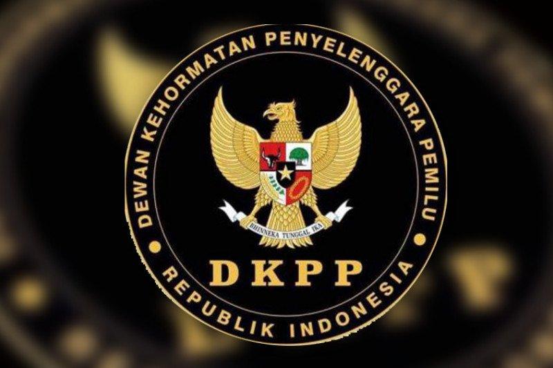 DKPP berhentikan anggota KPU Nabire yang merangkap sebagai PNS