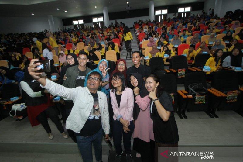 AXIS hadirkan sederet pengusaha muda motivasi mahasiswa Banjarmasin