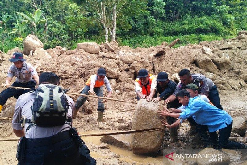Kulawi diterjang banjir lumpur, dua korban jiwa
