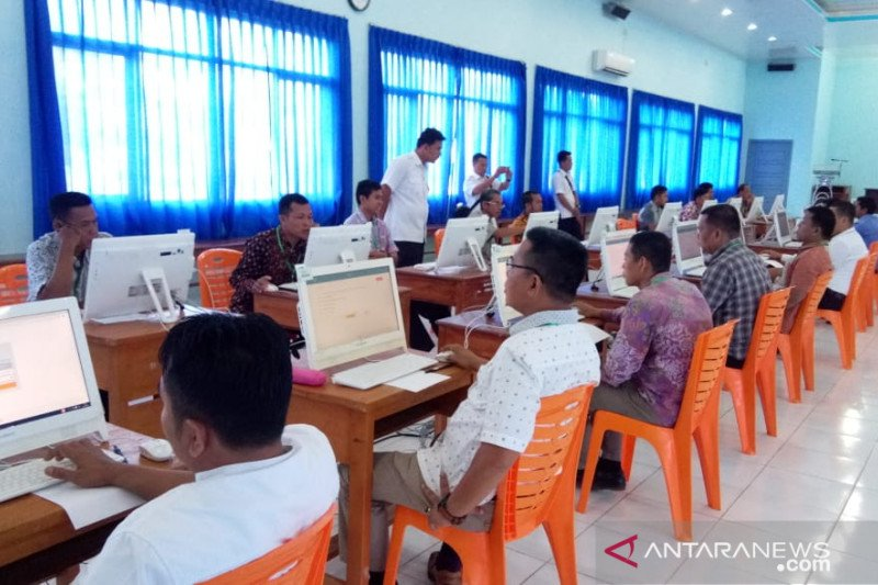 143 peserta calon Panwascam  OKU jalani ujian menggunakan sistem CAT