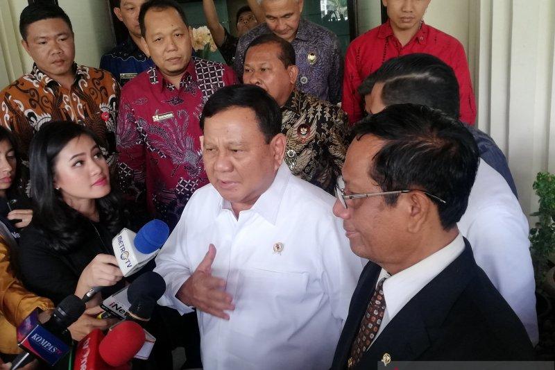 Menhan Prabowo bertemu Menko Polhukam bahas alutsista