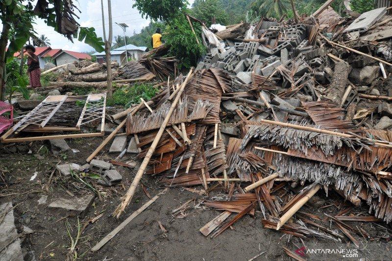 Korban banjir di Kulawi masih bertahan di lokasi pengungsian