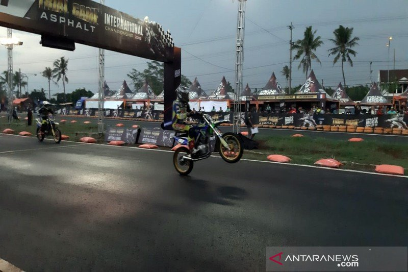 "Puluhan pembalap bersaing ""Trial Game Asphalt International"""