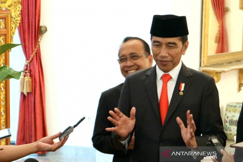 Presiden Joko Widodo pastikan kesiapan transportasi dan keamanan Natal-Tahun Baru