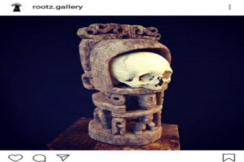 Tengkorak Asmat dan patung Korwar dijual secara online di Eropa