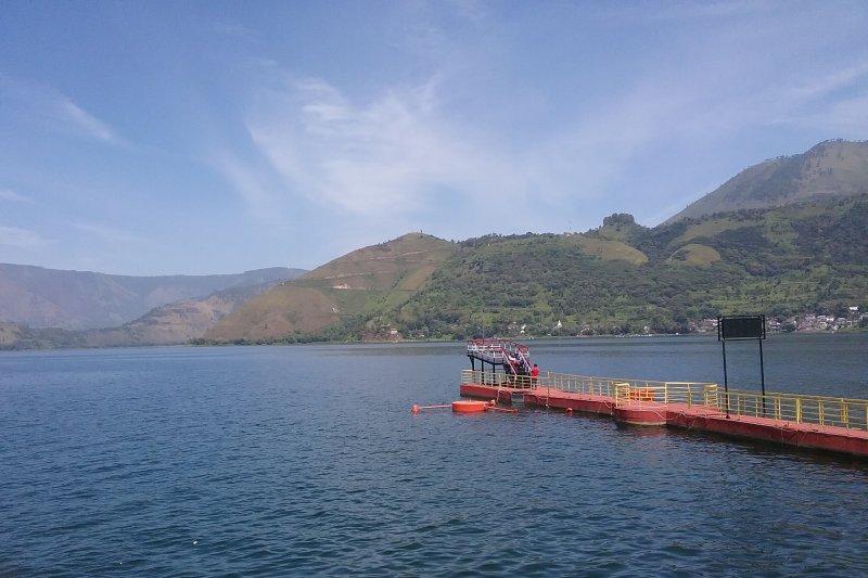 Menteri Kelautan dan Perikanan Edhy Prabowo kaji solusi pencemaran Danau Toba