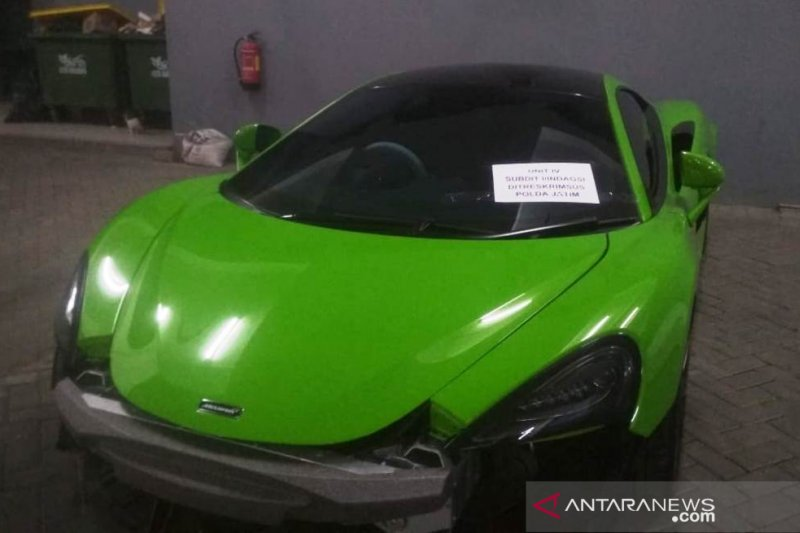 Polda Jatim sita sembilan mobil mewah diduga tak taat administrasi