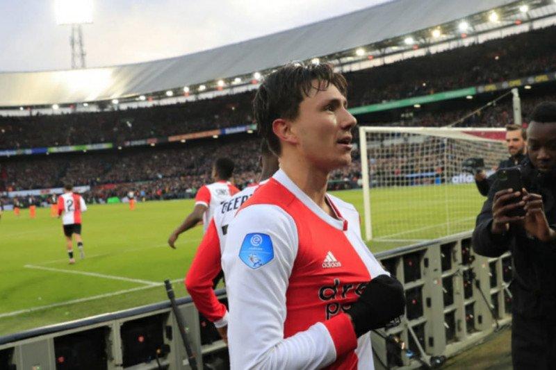 Feyenoord kalahkan PSV 3-1