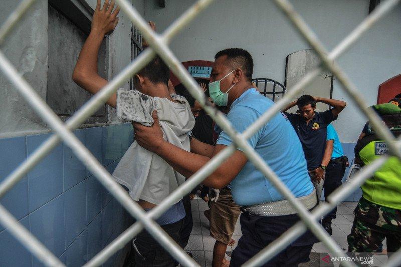 Jelang Natal, Kalapas razia blok tahanan warga binaan