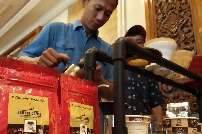 Berharap pahit kopi usir api di gambut Kepulauan Meranti