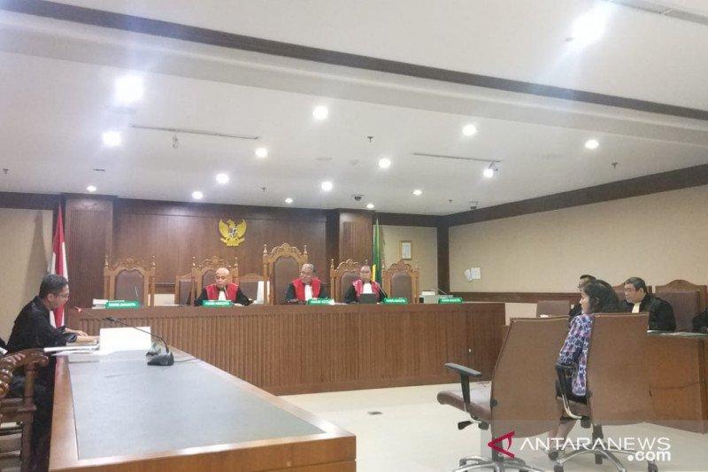 Pengusaha penyuap bupati Bengkayang dituntut 2,5 tahun penjara