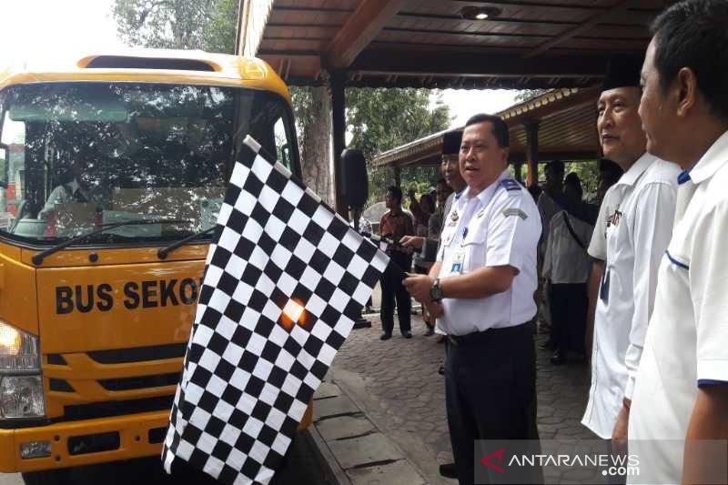 200 bus sekolah disumbangkan Kemenhub untuk pondok pesantren