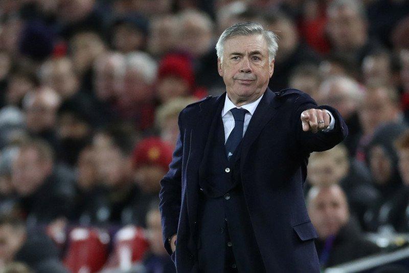Carlo Ancelotti sepakat merapat ke Everton