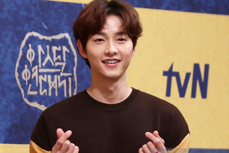 Agensi bantah Song Joong-ki pacaran dengan pengacara