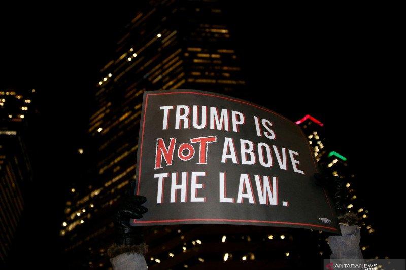 Dalam langkah bersejarah, DPR-AS  pungut suara pemakzulan Trump