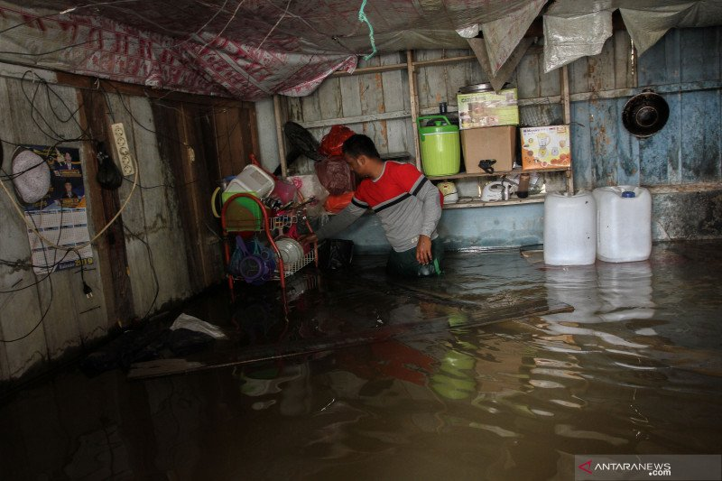Banjir melanda Riau, enam warga tewas
