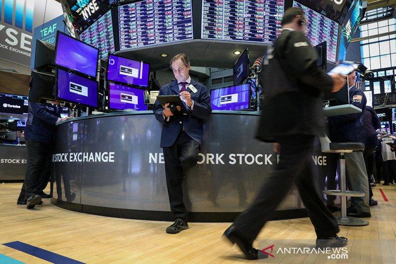 Alami hal terburuk, Wall Street tumbang karena Virus Corona picu kekhawatiran ekonomi