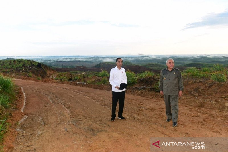 Jokowi tinjau jalan perbatasan 966 Km di Nunukan, Kalimantan Utara