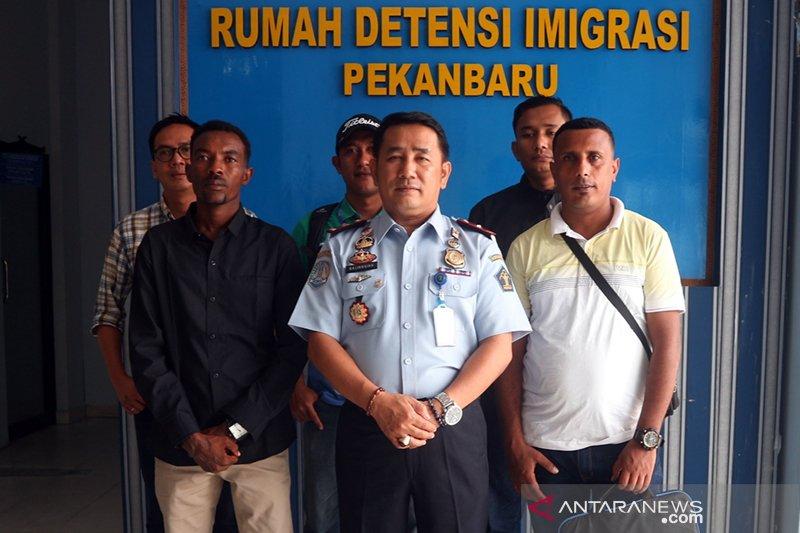 Rudenim Pekanbaru deportasi 60 WNA selama 2019, begini penjelasannya