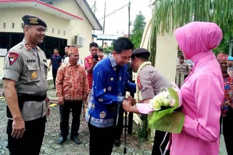 AKBP Dodo Hendro Kusuma disambut potong hompong