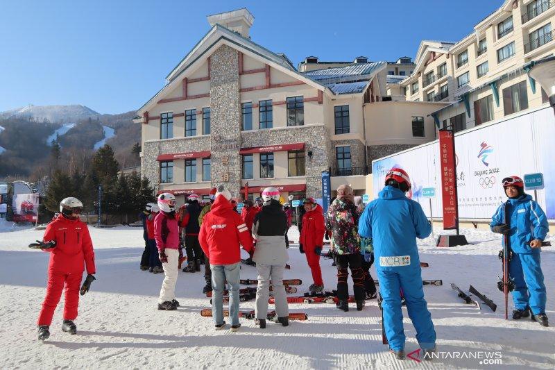 Pemerintah China ubah desa tertinggal jadi arena ski internasional