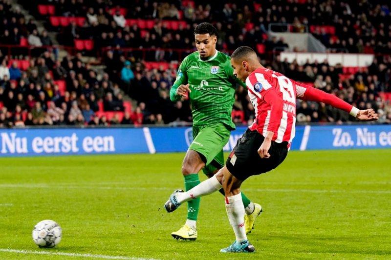 PSV bangkit dari ketertinggalan untuk lumat Zwolle 4-1