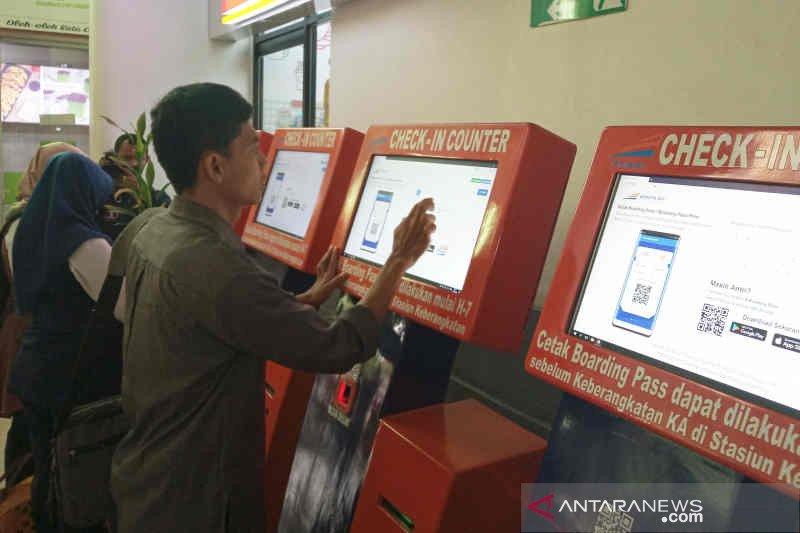 Tiket kereta di Cirebon untuk libur akhir tahun terjual 62 persen
