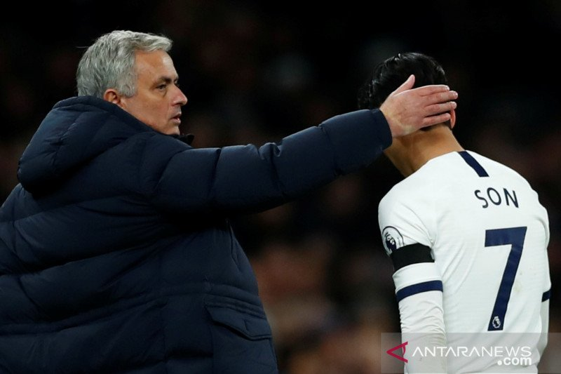 Mourinho frustrasi dengan lini pertahanan Tottenham